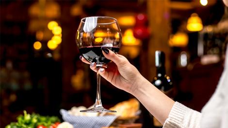 Đừng Bao Giờ Bỏ Qua Việc Thưởng Thức Rượu Vang Ý Đêm Noel!